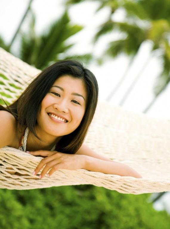 japanese-woman-hammock